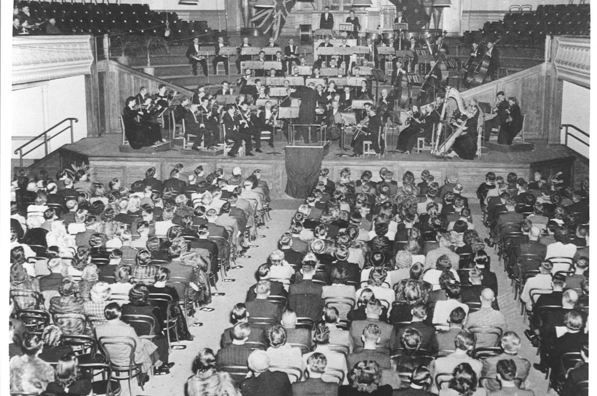 The NZSO's inaugural concert in the Wellington Town Hall, 1946